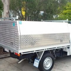 Alloy canopy fitted onto single cab tray