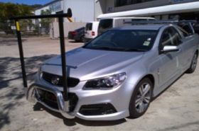 "HOLDEN COMMODORE NUDGE BAR with removable ""H"" rack"