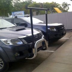 "TOYOTA HILUX NUDGE BAR with removable ""H"" rack"